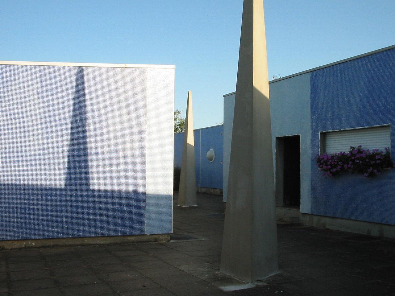 1280px-Patios_Pyramides