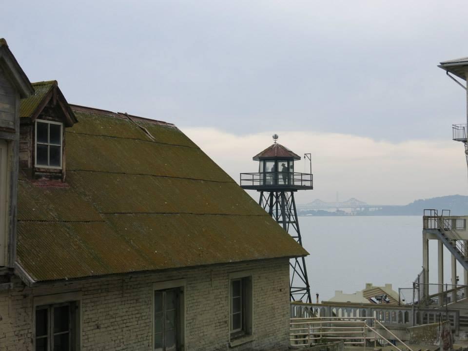 Alcatraz-larevuey-2
