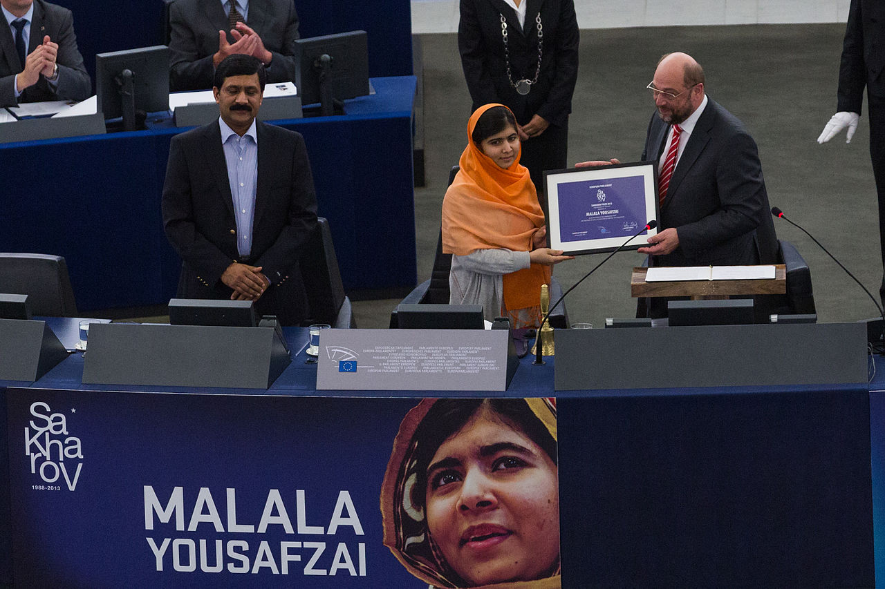 Remise_du_Prix_Sakharov_à_Malala_Yousafzai_Strasbourg_20_novembre_2013_01_Claude TRUONG-NGOC_Creative Commons