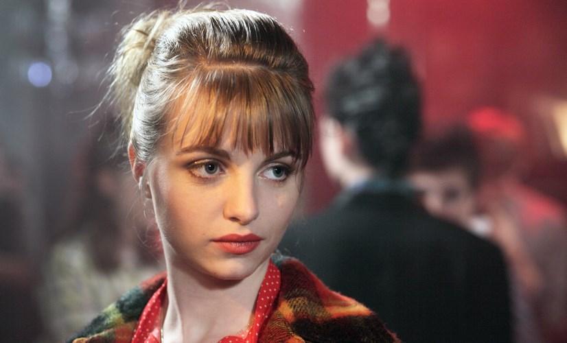 Esther  ( Lou Roy-Lecollinet) , l'amour fou de Paul
