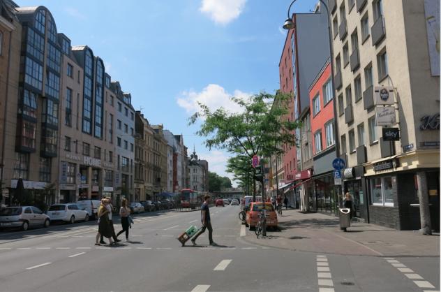 Cologne-larevuey3