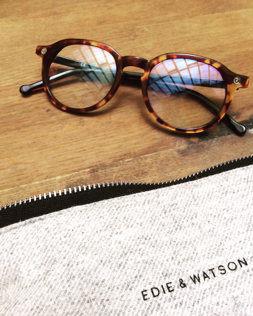 Edie-et-Watson-larevuey3