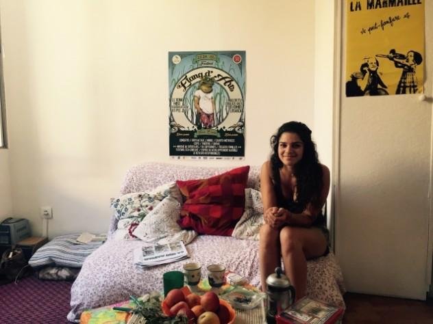 Sophia , 23 ans, jeune  communiste et l'une des héroïnes de la Série française de France Inter  © Radio France - 2015 / Aurélie Charon