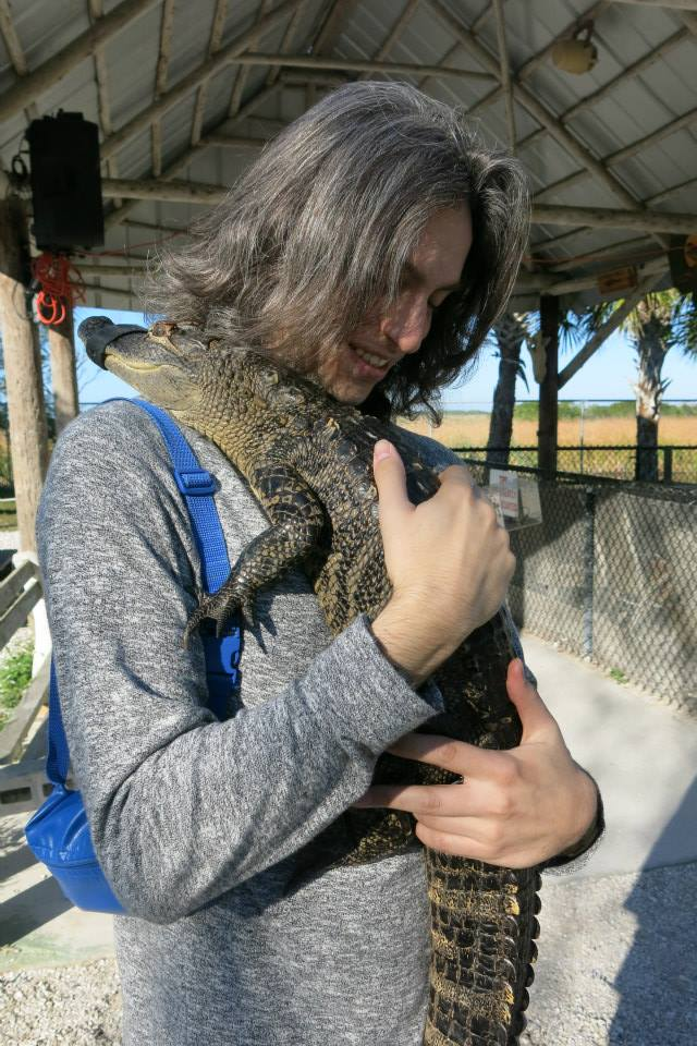 aligator-farm-larevuey