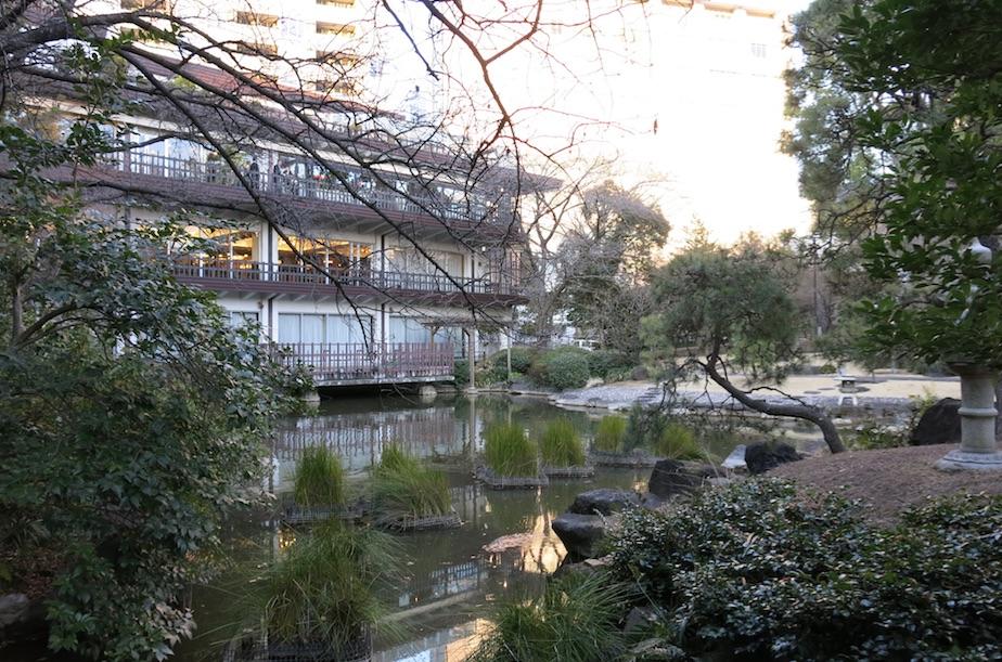 Tokyo-Hakihabara-larevuey-2
