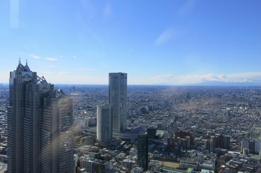 Tokyo-metropolitan-larevuey-1