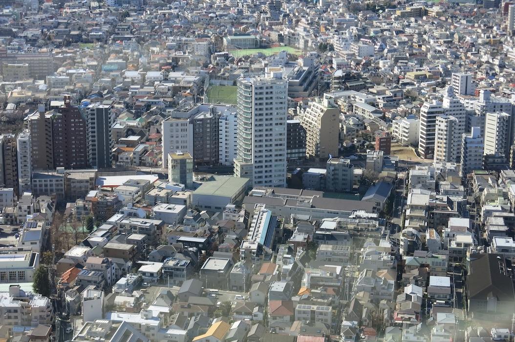 Tokyo-metropolitan-larevuey-2