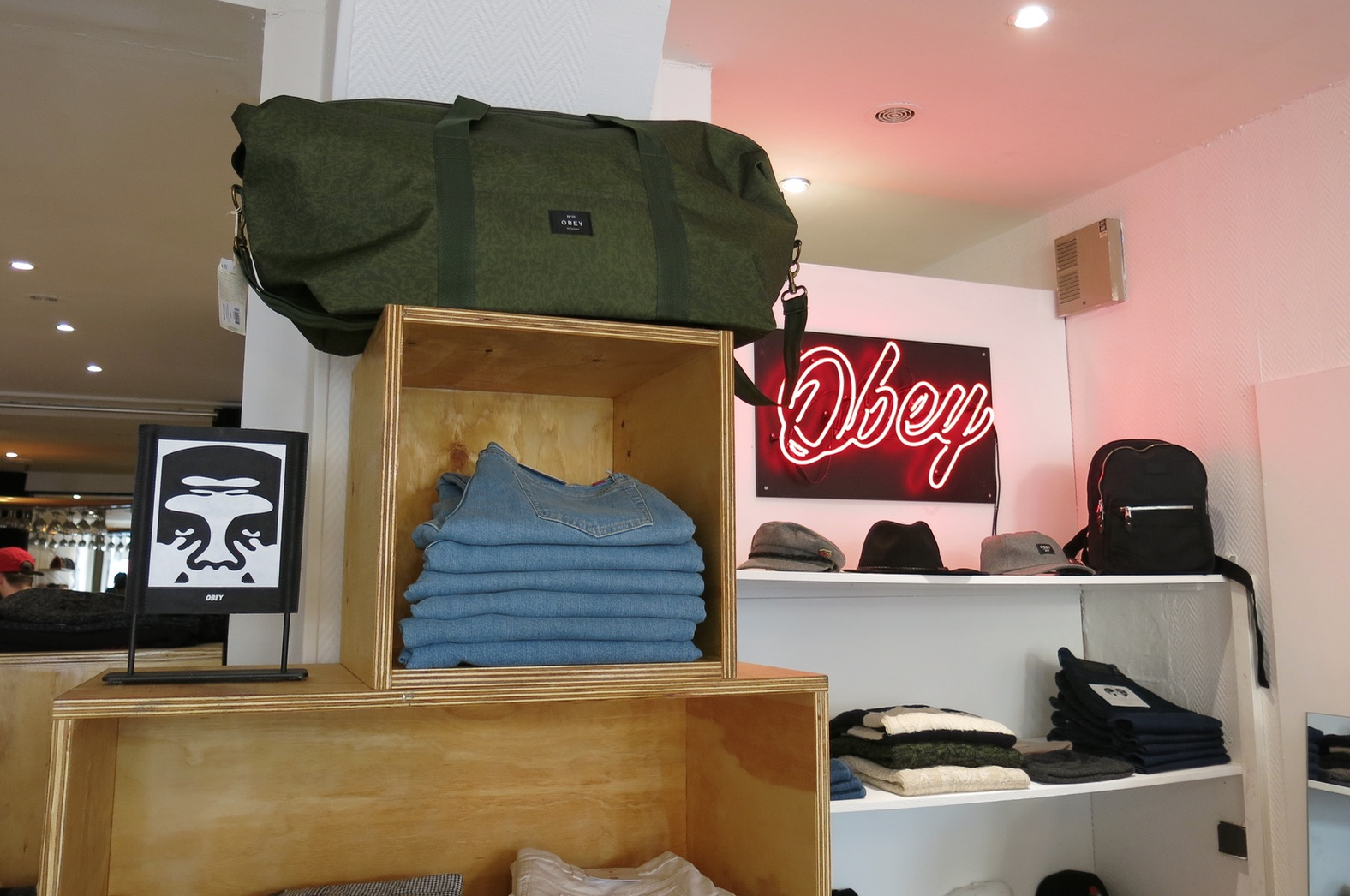 pop up store obey