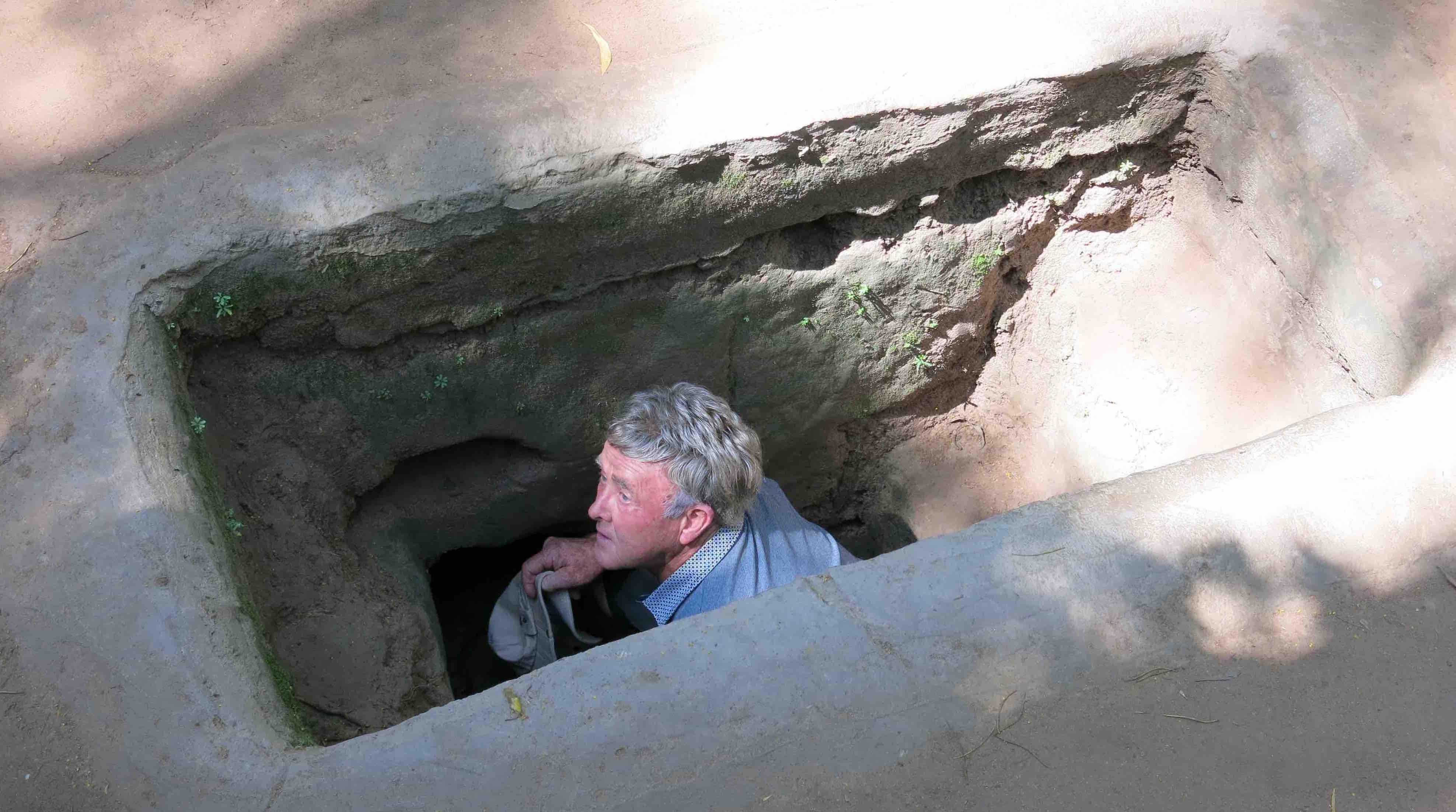 cu-chi-tunnels-larevuey-1